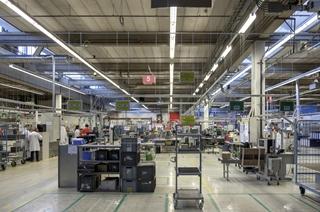 De nieuwe productiecellen werden via kleurindicaties duidelijk afgebakend.