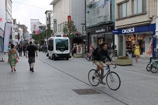 Het focusdomein binnen de studie bestond uit autonome voertuigen van minder dan 3,5 ton die geschikt zijn om in de stad standaarddozen en rolcontainers te vervoeren. Een eerste test voerde VIL uit in de Bruul, een populaire winkelstraat in het centrum van Mechelen.