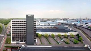 """Caroline Van Cauwelaert: """"De ontwikkeling van het bakje in de vrachtwagens zorgt ervoor dat Ahlers realtime de veiligheid van tabakstransport kan garanderen."""""""