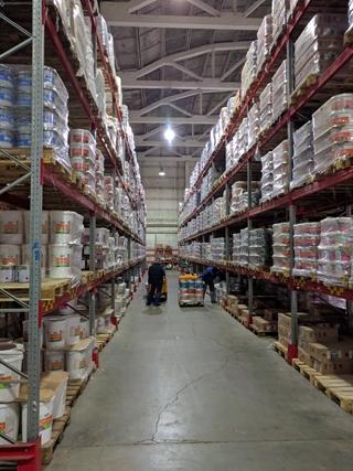 Dit is het centraal distributiecentrum in Cheljabinsk dat Ahlers bouwde, nadat uit data-analyse bleek dat de bestaande magazijnen in Sint-Petersburg te ver lagen van de klant.