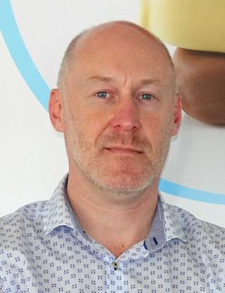 """Peter Dehamers, manager Outbound Logistics Ysco: """"De grote uitdaging voor ons als producent van temperatuurgecontroleerde goederen bestaat er in voor kleinere leverhoeveelheden korte leadtimes te garanderen, en dat tegen kosten die vergelijkbaar zijn met die van grote, minder frequente leveringen."""""""