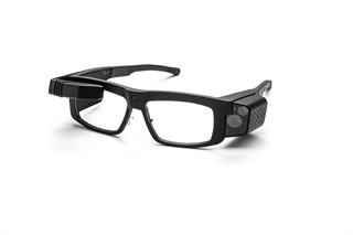 Dit is een slimme veiligheidsbril, de Iristick.Z1, die kan inzoomen om barcodes op grotere afstand te kunnen scannen. Het kan worden toegepast in de logistieke wereld.