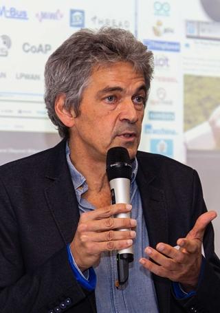 """Jan Merckx, projectleider bij VIL: """"IoT-technologie kan een significante bijdrage leveren bij de ontwikkeling van nieuwe stadsdistributieconcepten. Maar er is behoefte aan harmonisatie en uniforme open standaarden om verschillende smart city-oplossingen in één enkel platform te kunnen integreren."""""""