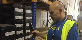 ASICS haalt productiviteitsstijging van 10% met de TC8000 van Zebra
