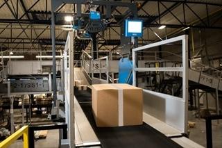 Dankzij de combinatie van het bestaande distributiecentrum in Diegem en het nieuwe complex in Lummen verdubbelt UPS zijn distributiecapaciteit in België. In Lummen beschikt UPS over een werkzone van ongeveer 6.000m². Er staan vijf conveyors die samen 5.000 pakketten per uur aankunnen.