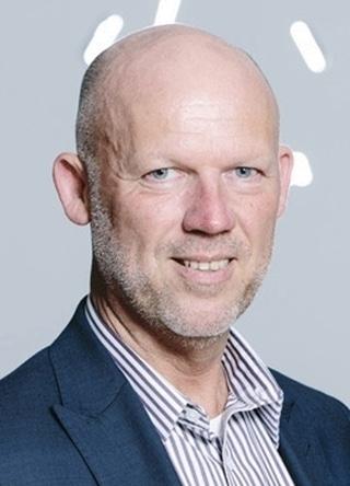 """Werner De Swaef, sales director bij Knapp: """"Voor 2010 waren we als aanbieder bovendien vooral op de farmaceutische sector gericht, terwijl je onze oplossingen nu in veel meer sectoren aantreft, denken we maar aan e-commerce, general retail, food retail en fashion."""""""