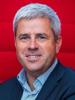 """Jan Ronsse, managing director Belux bij Oracle: """"Iedereen heeft de mond vol over nieuwe technologie. Maar het is niet altijd even makkelijk om de impact ervan te vatten, ook al bestaan sommige toepassingen intussen al jaren. Door bezoekers te tonen hoe je technologie concreet kunt inzetten, demonstreren we haar potentieel."""""""