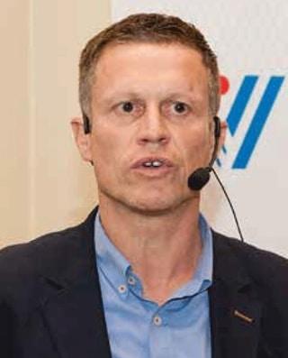 """Patrick Van Daele, manager In-Store Solutions & Collaboration bij Chep: """"Dankzij de geoptimaliseerde rondrit tijdens het proefproject werd een kostenbesparing van 15% opgetekend. Vrachtwagens werden efficiënter gepland en de doorlooptijd bij Delhaize kon tot minder dan een uur worden gereduceerd."""""""