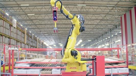 Robot in DHL-warehouse pickt tot 600 dozen per uur