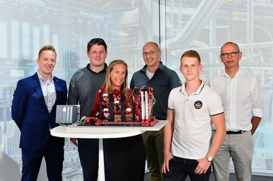 Siemens, Quinaptis en Thomas More Hogeschool Geel koppelen software voor magazijnbeheer met software voor automatisering