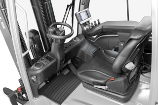 Een andere troef van de RX 60 is de Still Easy Control boordcomputer, die ook op de vorig jaar gelanceerde RX 20 aanwezig is en directe toegang biedt tot de belangrijkste prestatiefuncties en alle relevante truckinformatie.
