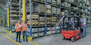 Hoe de veiligheid garanderen in magazijnen met heftrucks?