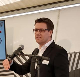 """CFO van MediaMarkt Nederland Michael Soehlke: """"Het distributiecentrum in Etten-Leur verzamelt de operaties van retail en e-commerce onder één dak. Toch zijn de activiteiten van elkaar gescheiden, maar beide stromen vullen elkaar aan."""""""