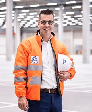 """Koen Piessens, manager Logistiek Aldi Turnhout: """"Ons assortiment is te beperkt voor automatisering. Bovendien is er een hoge rotatie. We willen snel kunnen inspelen op veranderingen."""""""
