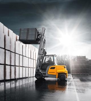 Met de nieuwe EFG 6 speelt Jungheinrich in op de trend om elektrische heftrucks steeds meer voor zwaardere toepassingen te gebruiken. Deze nieuwe serie elektrische trucks kan zes tot negen ton tillen.
