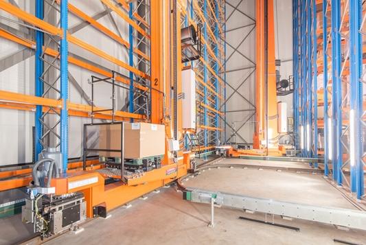 Verdubbeling van opslagcapaciteit door nieuw kranen magazijn