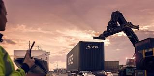 Volvo Trucks zet zelfrijdende transportoplossing in logistiek proces in