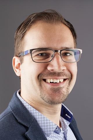"""Peter de Bock, transport management specialist bij Nu Skin: """"De traditionele Tupperware party's raken stilaan uit de mode. Onze verkopers worden steeds jonger en meer digitaal."""""""