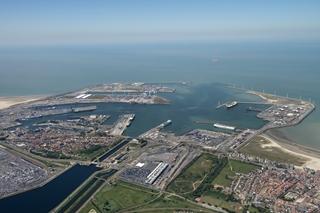 De haven van Zeebrugge beschikt over een unieke positie tegenover het VK en biedt een vlotte toegang tot belangrijke EU-markten. Het spreekt dan ook voor zich dat een harde brexit een enorme impact op de haven zal hebben. (Foto  ©Henderyckx)