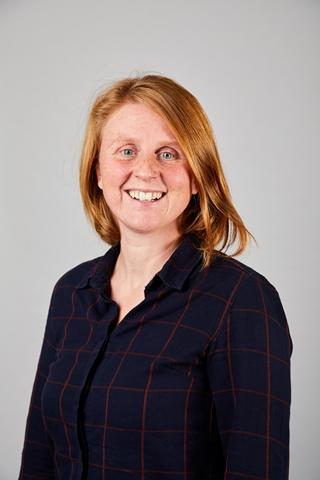 """Sara Verlinde, senior researcher & team leader for City Logistics bij MOBI VUB: """"Met de Green Deal Duurzame Stedelijke Logistiek streven we naar minder emissies en kilometers, maar ook naar meer samenwerking in de sector."""""""