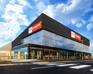 Het nieuwe distributiecentrum in Warrington gaat bijna 1.000 'Home Bargains' winkels bevoorraden. (Foto: TJ Morris)