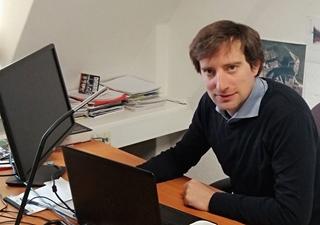 """Valentin Cârlan, verkoopmanager bij DigiTrans: """"Het is niet de bedoeling de transportsector her uit te vinden, maar wel om het werk van alle partijen gemakkelijker, efficiënter en beter onderbouwd te laten verlopen."""""""