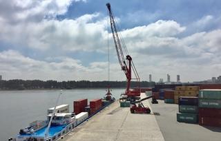 Onder de mantel van ITG bouwt Stukwerkers vandaag aan een gloednieuwe, multimodale containerterminal in het Gentse Kluizendok.