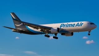 Amazon profileert zich nadrukkelijk als een logistiek dienstverlener. Het bouwde volgens zakentijdschrift Forbes een vloot uit van meer dan twintigduizend busjes en zestig cargovliegtuigen.