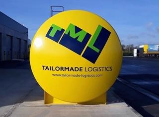 Multimodale ambities - Tailormade Logistics vervoert jaarlijks 60.000 volle vrachten. Daarvan gaat een derde via het spoor, de binnenvaart of shortsea. De ambitie is om dat aandeel op termijn tot 50% te verhogen.