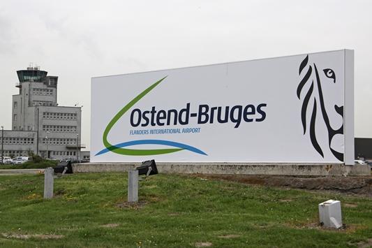 Versluys Groep richt zijn pijlen op logistiek vastgoed en tekent overeenkomst met luchthaven Oostende