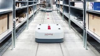 Steeds vaker zien we robotgeassisteerde pickingoplossingen opduiken. Die kunnen de picker bijvoorbeeld op de meest optimale manier door de winkelgangen loodsen.