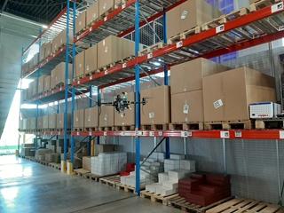 In het demonstratiecentrum van Log!Ville scant een drone de palletplaatsen in het magazijn.