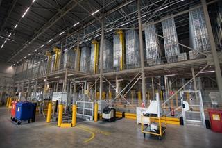 Het nieuwe distributiecentrum in Nieuwegein combineert verschillende automatisatievormen.