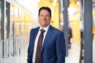 """Karel de Jong, supply chain directeur bij Jumbo: """"Het pickingproces omvat drie subsystemen, met een – afhankelijk van de artikelkenmerken – handmatige of gemechaniseerde orderverzameling."""""""