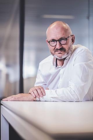 """Jan Somers, CEO van GS1 Belgilux: """"Wil je je producten verkopen op marktplaatsen als Bol.com en Amazon, dan moet je hen uiteraard de nodige informatie over je product kunnen verschaffen, en dat op een gestandaardiseerde manier. Ook het toevoegen van foto's aan de productdata wordt in die context steeds belangrijker."""""""
