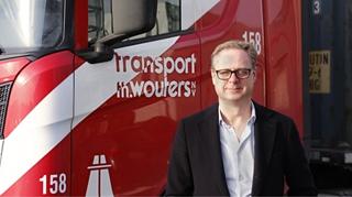 """Karl Garmyn, directeur bij Transport Th. Wouters: """"De belangrijkste reden om trackers in te schakelen was dat we in het verleden vaak niet wisten welke vrije chassis beschikbaar waren. Ook vervelend was dat we geen zicht hadden op onze specifieke 'genset chassis' voor diepvriescontainers."""""""