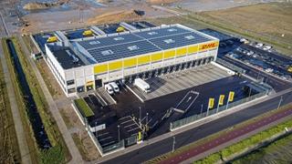 De nieuwe CityHub is met 12.000m² het grootste distributiecentrum van DHL Express in België. Het gebouw zelf meet 5.000m². Op volle kracht zullen er 125 medewerkers aan de slag kunnen.